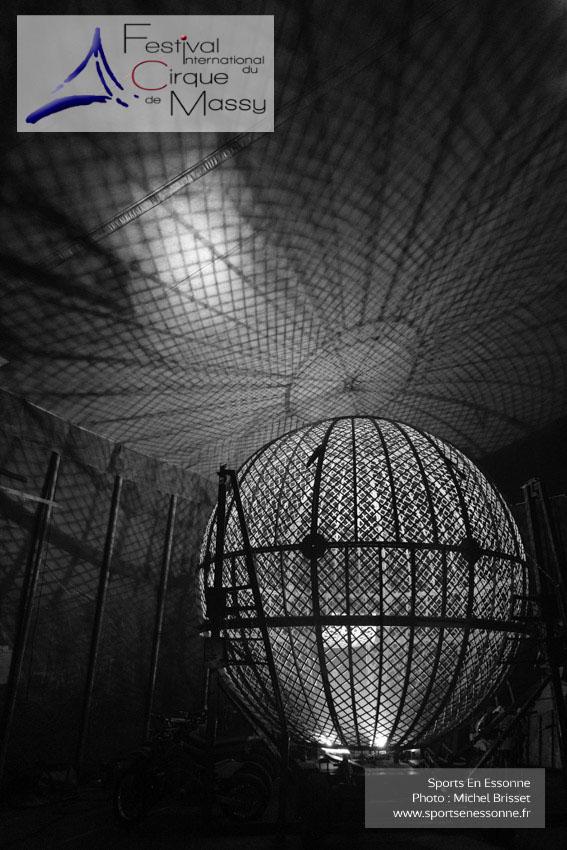 M60119A0072 - Le Globe Infernal - Les Diorios