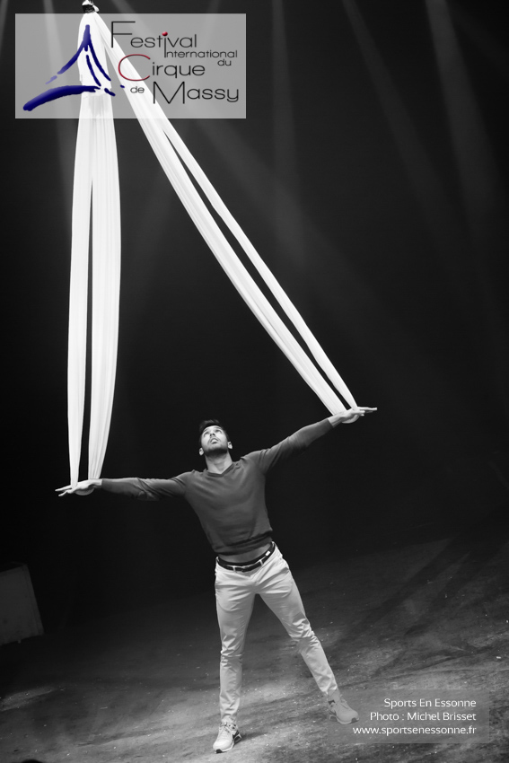 M60119A0770 - Tissus Aériens - Gustavo Sartori