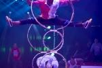 MB180110A0587-Troupe African Dream Circus - A travers les cerceaux – Éthiopie