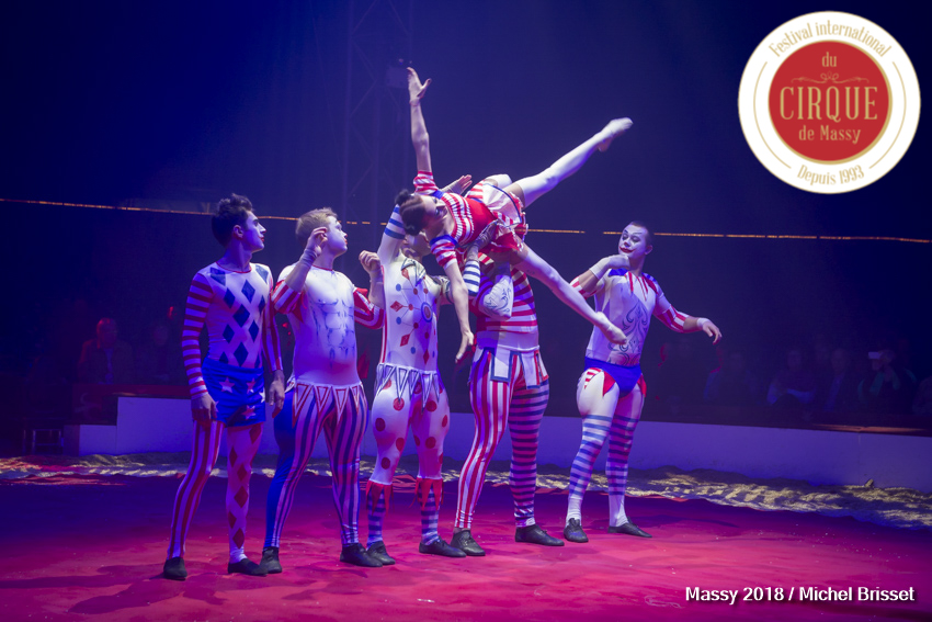 MB180111A0431-Hooligang - Troupe acrobatique - Russie