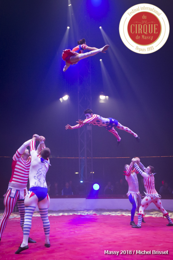 MB180111A0481-Hooligang - Troupe acrobatique - Russie