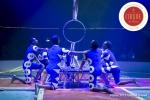 MB180112A2897-Troupe African Dream Circus - A travers les cerceaux – Éthiopie