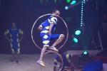 MB180114A2717-Troupe African Dream Circus - A travers les cerceaux – Éthiopie