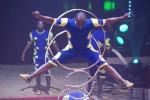 MB180114A2751-Troupe African Dream Circus - A travers les cerceaux – Éthiopie