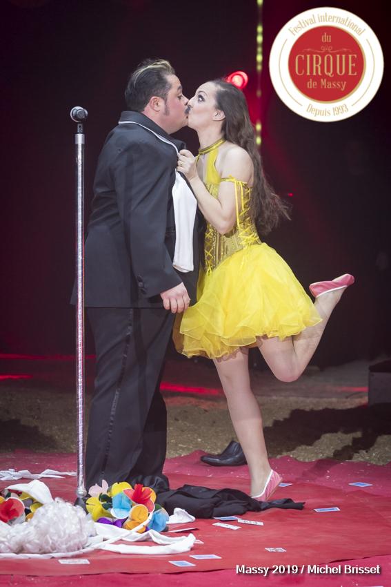 MB190110A1087-Totti & Charlotte Alexis - Rossini