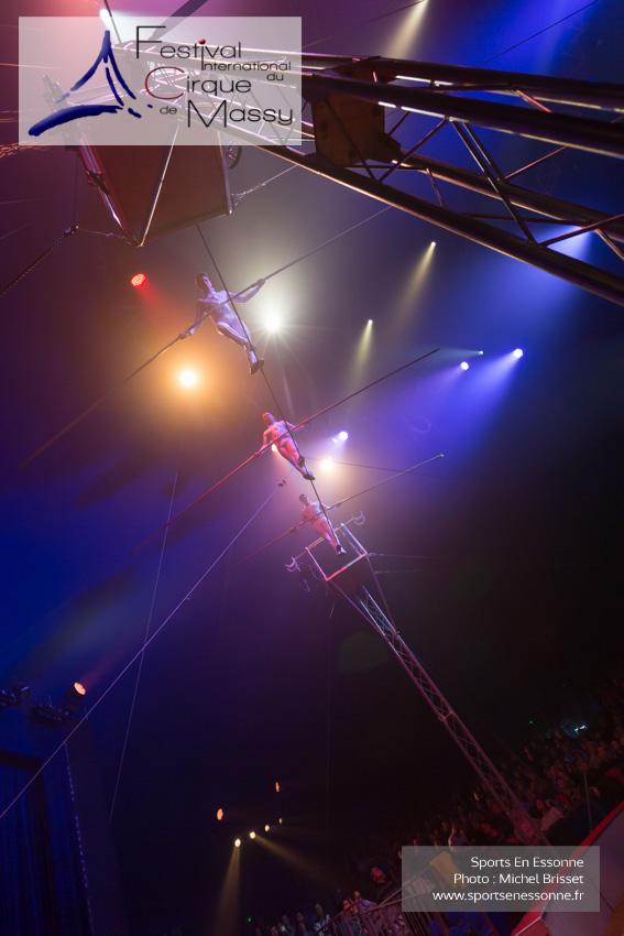 M60123A0801 - Mesa Brothers - Funambules à grande hauteur