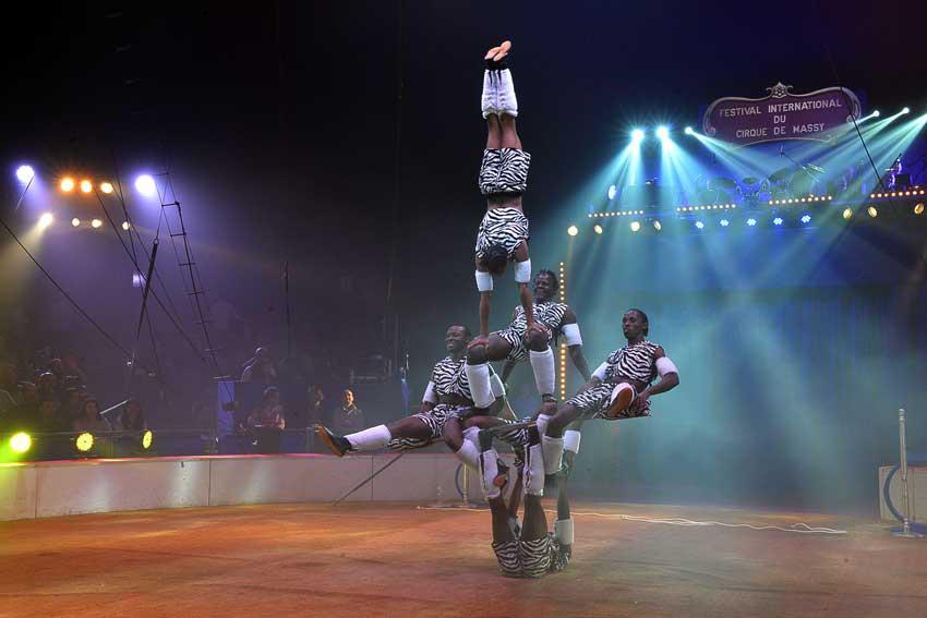 La-troupe-Zuma-Zuma-02